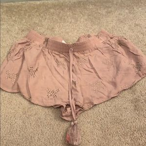 Nude/pinkish shorts with pockets